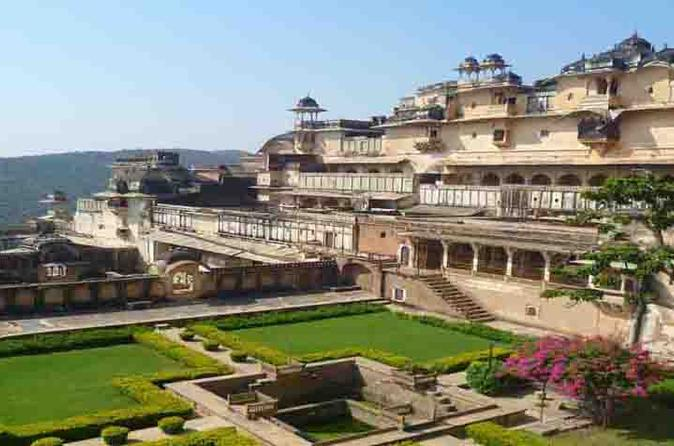 7-Day Royal Forts and Palaces Tour with Tiger Safari in Ranthambore from Jaipur