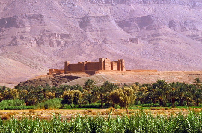 Excursão de 2 dias em Zagora saindo de Marraquexe incluindo as Montanhas Atlas, Passeio de Camelo e Acampamento no Deserto
