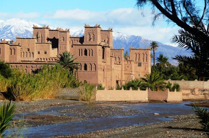 Excursão de 3 dias de Marraquexe para Merzouga pelo Vale Dadès e Passeio de Camelo por Erg Chebbi