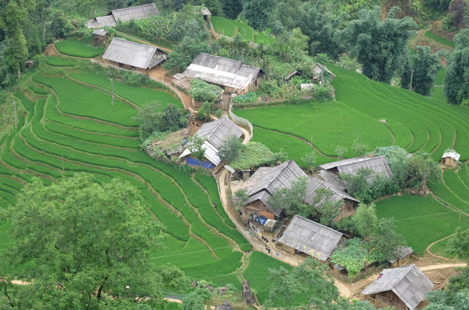 Heaven Gate to Topas Ecolodge Guided Bike Tour from Sapa