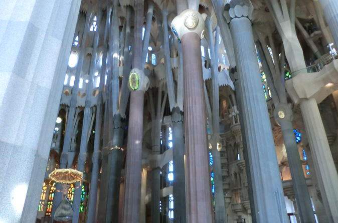 Half-Day Barcelona E-Bike Tour with Skip-the-Line Access to Sagrada Familia
