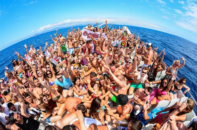 Festa de barco com tudo incluso em Ibiza