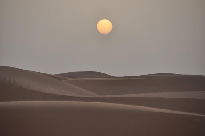 Woestijnsafari Dubai: Tanoura-show, crossen door de duinen en barbecue