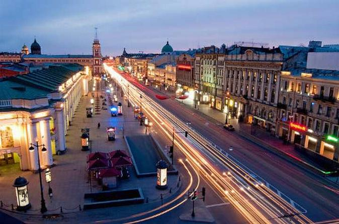 Private Tour: St Petersburg at Night with Optional Neva River Boat Cruise