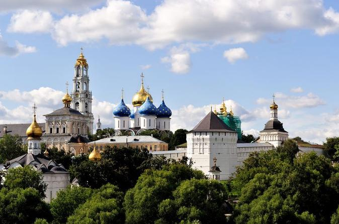 Moscow Private Day Trip to Sergiev Posad Including Matryoshka Factory and Holy Trinity Lavra with Russian Lunch and Vodka