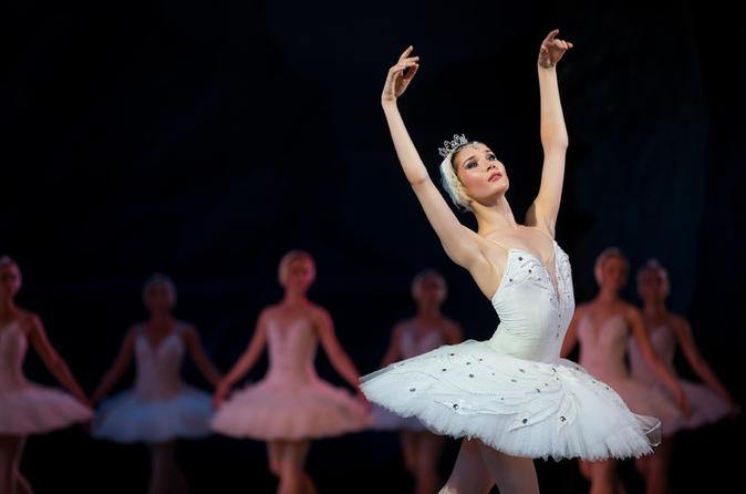 Viator Exclusive: Mariinsky Theatre Ballet and Russian Dinner with a Ballet Dancer
