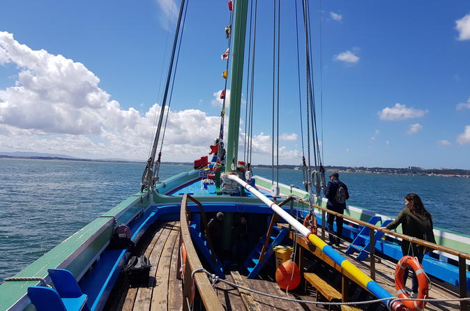 Codfish Route Experience with Traditional Boat Tour and Lunch from Lisbon