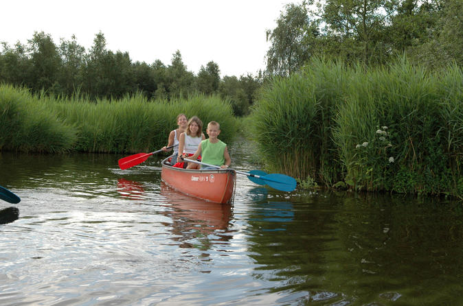 Guided canoe adventure with picnic lunch in waterland from amsterdam in amsterdam 185465