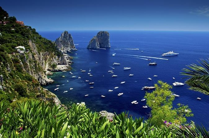 Pompeii and Capri Tour by Boat from Sorrento