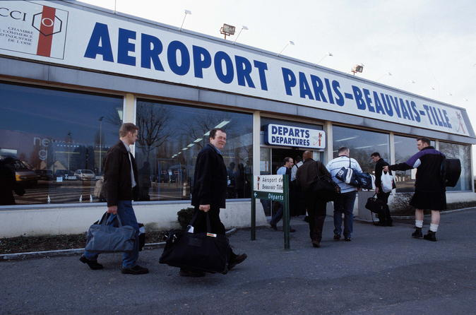 Private transfer from Beauvais Airport to Paris