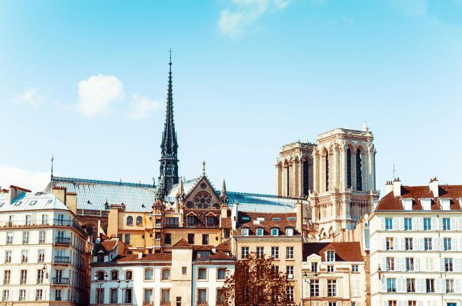 Heart of Paris Tour: Notre-Dame and Ile de la Cite with Wine Tasting