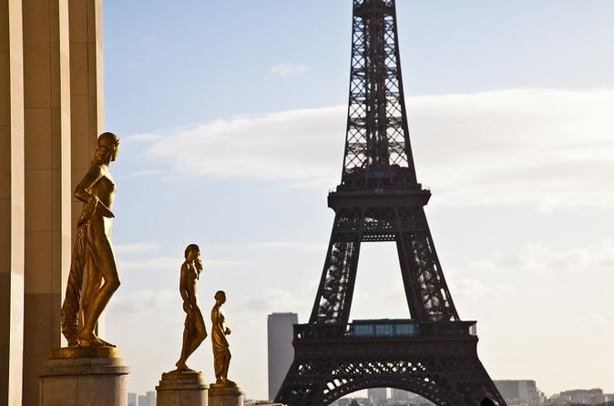 Skip the Line: Eiffel Tower Small-Group Tour with Summit Access