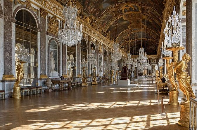 Skip-the-Line Palace of Versailles and Eiffel Tower Tour with Hotel Transfer