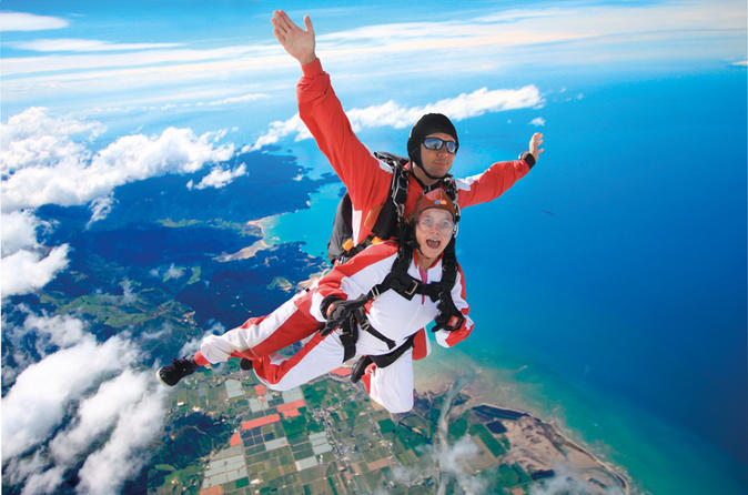 Tandem skydive over south island in nelson 185202