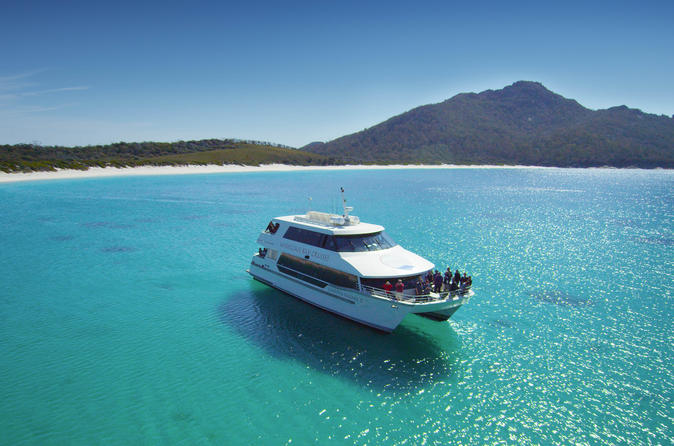 Wineglass bay cruise from coles bay sky lounge in coles bay 215693