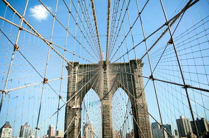 Brooklyn bridge historical walking tour in new york city 192660