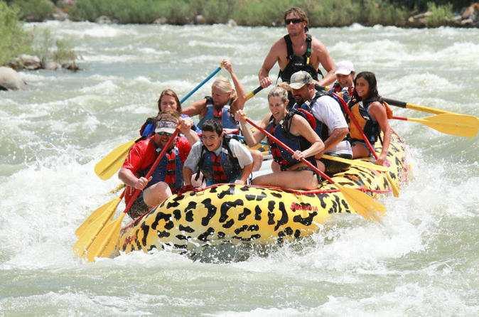Rafting yankee jim canyon on the yellowstone river in gardiner 185095