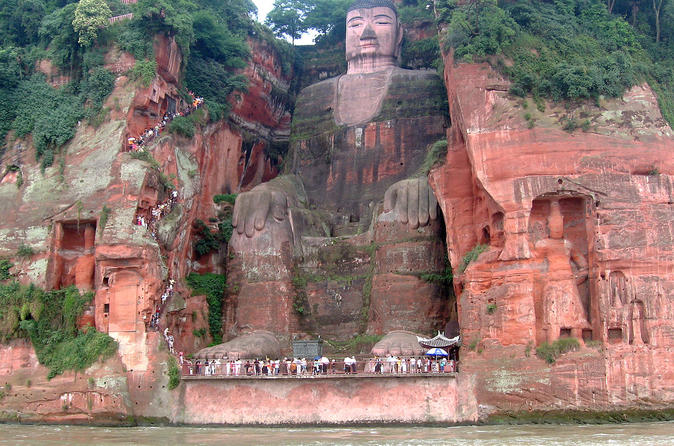 Private Leshan Giant Buddha Day Tour from Chengdu with High-speed Train Transfer