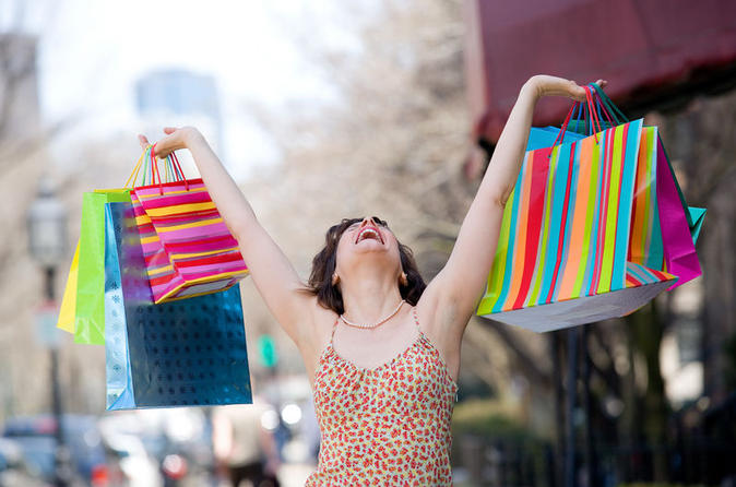 Woodbury Common Shopping Experience with Private Driver-Guide