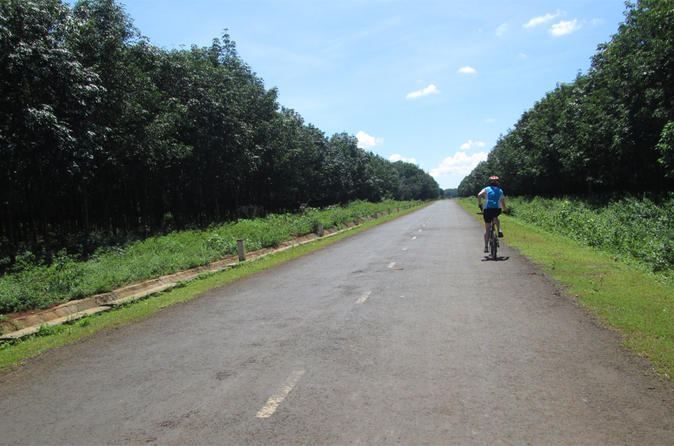 6-Day Dragon's Tail Bike Tour From Dalat to Hoi An