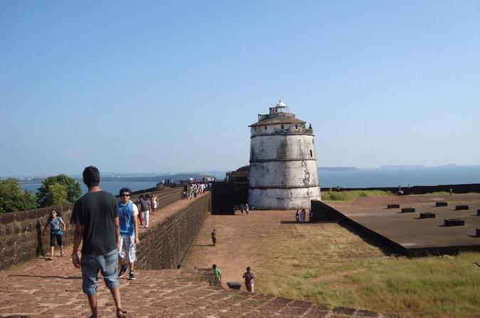 Private Tour: Fort Aguada, Reis Magos, Calangute Beach, Anjuna Beach, and Vagator Beach
