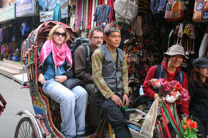 3-Hour Thamel Sightseeing Tour by Rickshaw in Kathmandu