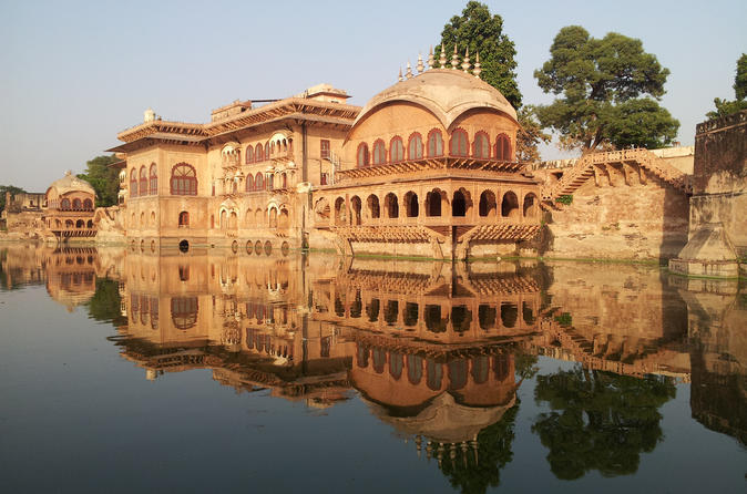 Independent 6-Day Tour of Delhi, Deeg Agra and Jaipur from Delhi in Private Car