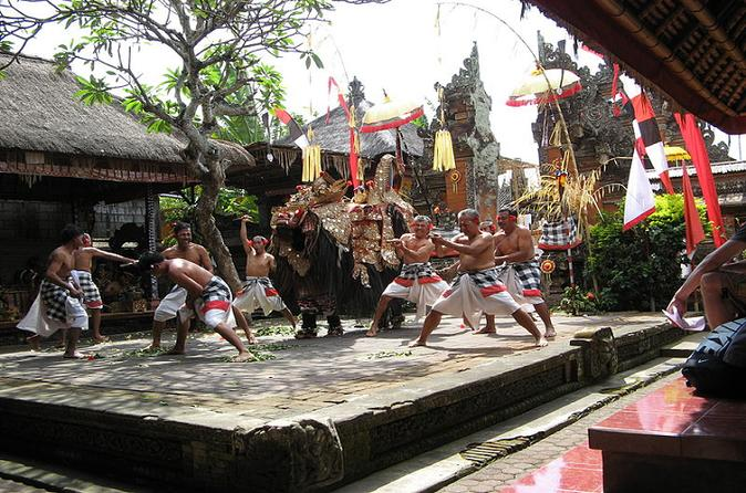 Bali Day Trip of Barong Dance Show, Mas Village and Tirta Empul Temple