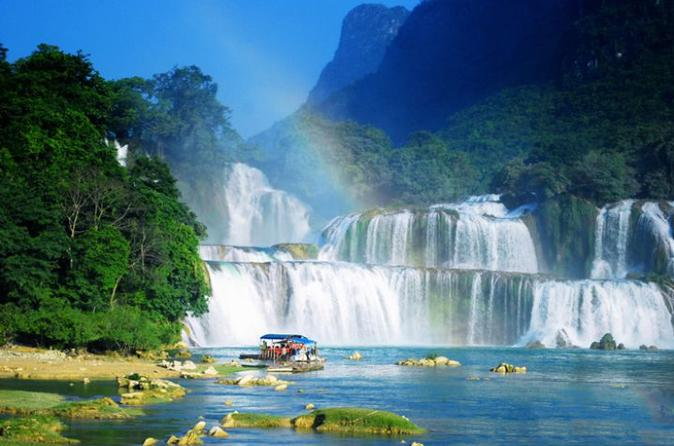 Private discovery Ba Be Lake and Ban Gioc Waterfall 3 days