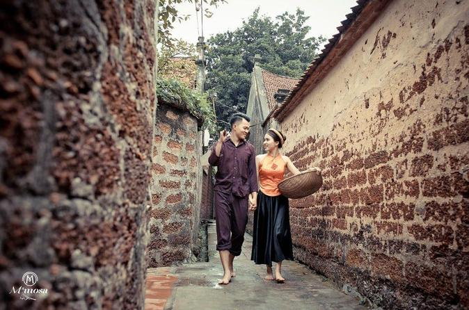 Duong Lam Ancient Village full day tour from Hanoi & experiencing local life