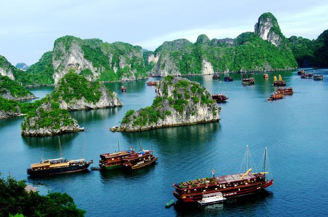 Overnight Halong Bay Cruise with Hanoi Hotel Pickup