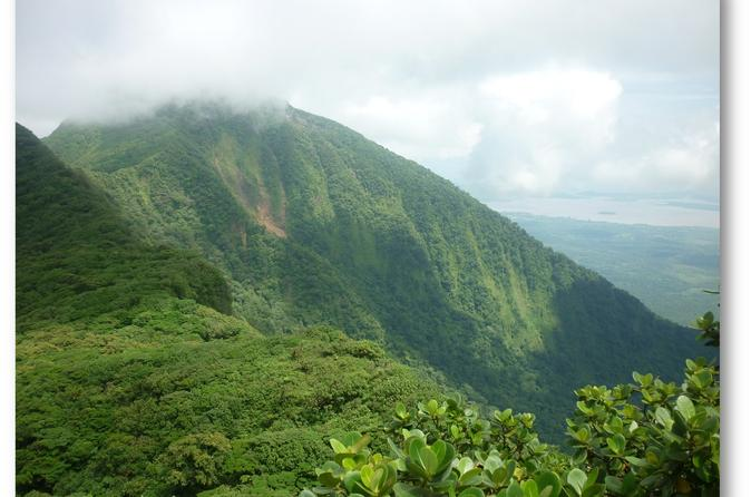 Mombacho Volcano Hike and Zipline adventure from Managua