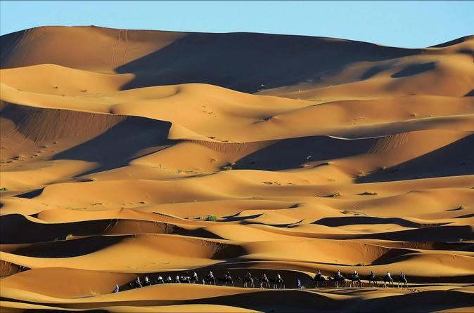 2-Night Merzouga Desert Tour from Marrakech including Camel Ride and Desert Camp