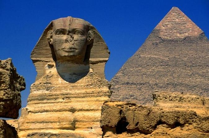Private 2-Day Transit to Cairo for a Tour of the Pyramids, Sphinx and Egyptian Museum
