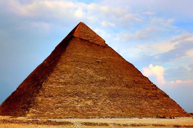 Excursão diurna nas Pirâmides e o Museu Egípcio saindo do Cairo
