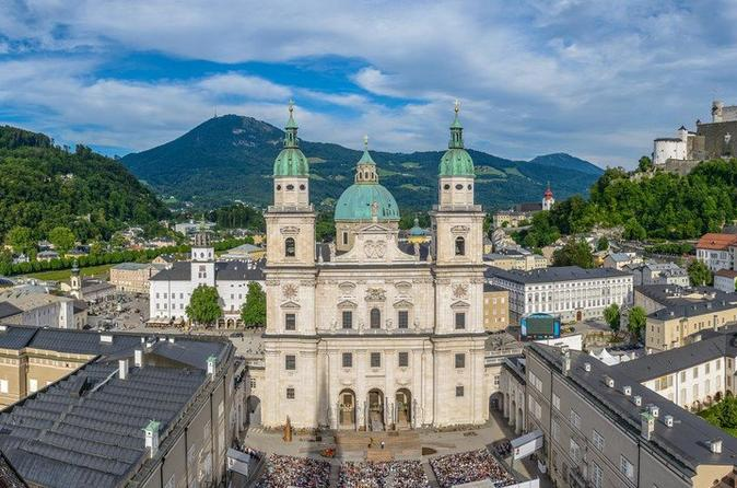 Private Salzburg walking day tour with option Palace Hellbrunn or river cruise