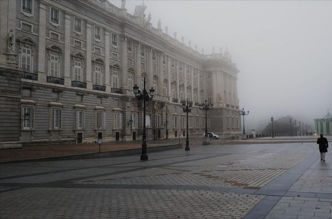 Royal Palace of Madrid Private 3 hour tour with Skip-the-line