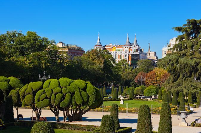 Walking Tour in the Retiro Park in Madrid