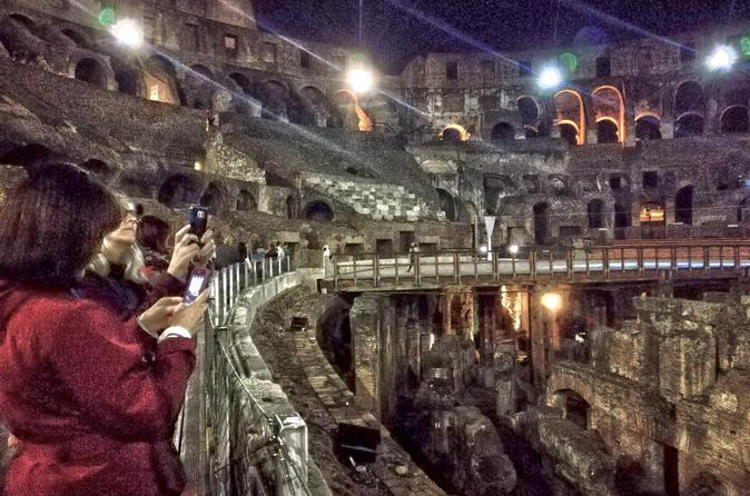 Night Colosseum Tour with Gladiators Arena and Underground