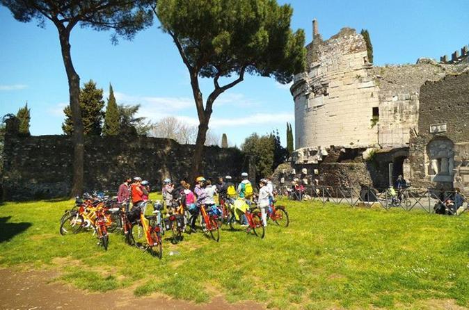 6-hour Bike Tour: Appian Way and Aqueducts Park
