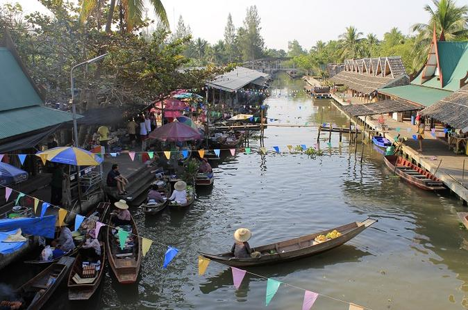 Private Tour to Thaka Floating Market from Bangkok