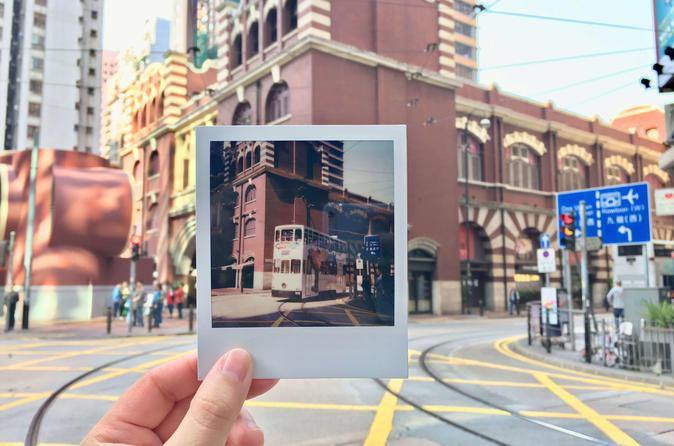 Hong Kong Vintage Photo Tour With a Polaroid Camera