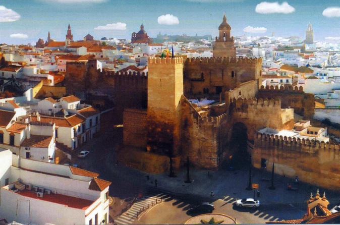 Carmona and Necropolis: Guided Day Tour from Seville