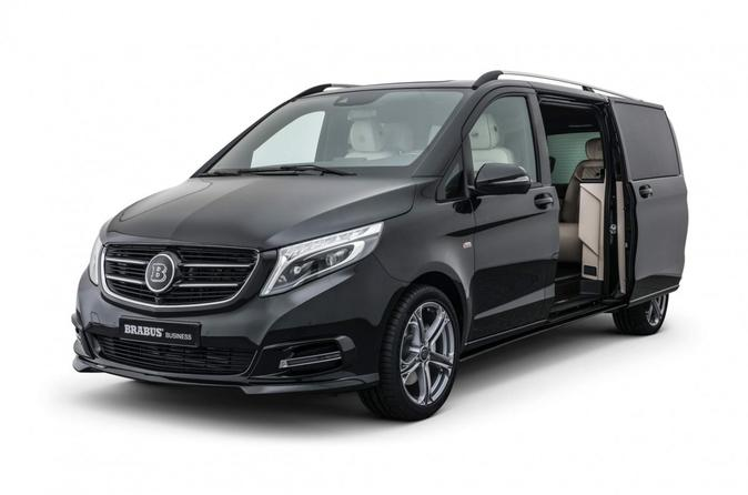 London Luton Airport LTN Arrival Private Transfers to London City in Luxury Van