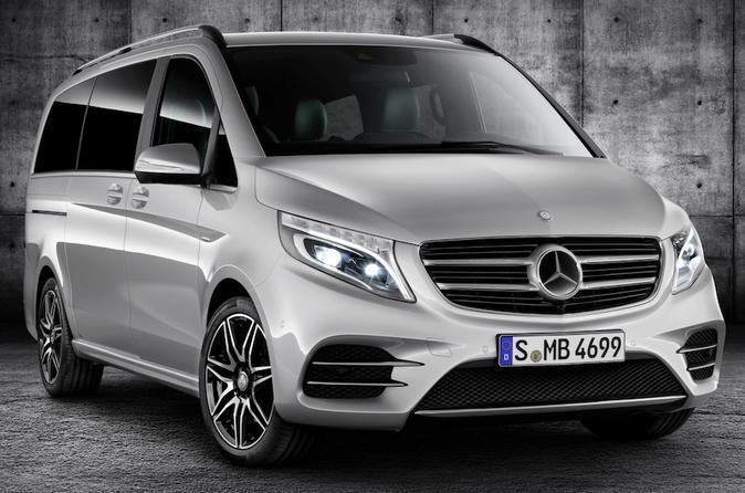Paris Airport CDG Round-Trip Private Transfers in Luxury Van