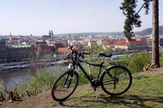 Small-Group Prague Bike Tour and Prague Castle Visit Including Typical Czech Lunch