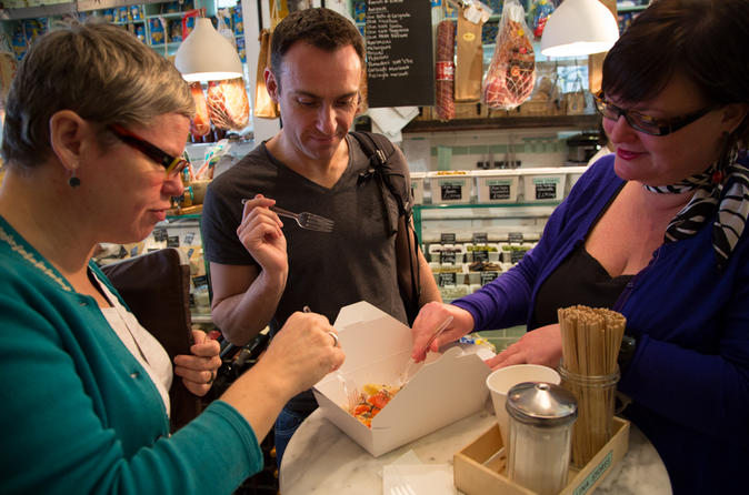 Chef-Led Foodies Walking Tour of Soho in London