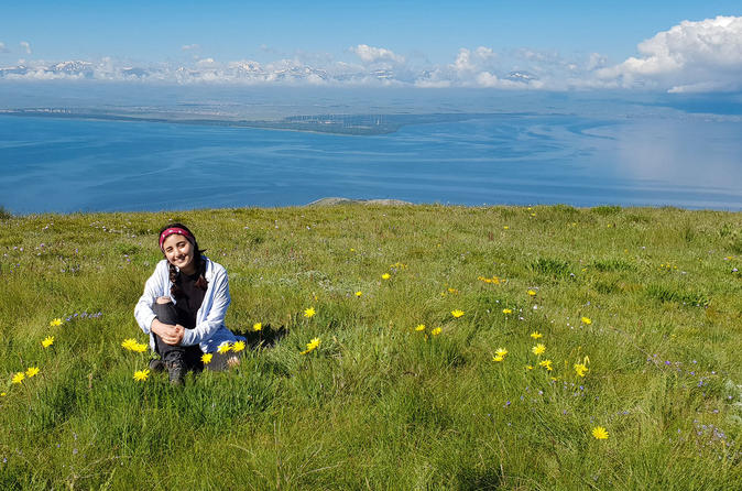 Private Hiking Tour to the top of Artanish