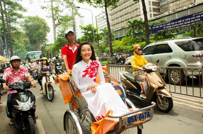 4-Hour Ho Chi Minh City Market Tour by Cyclo""