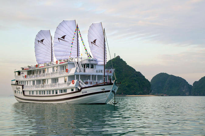 1-Night Signature Royal Cruise on Halong Bay